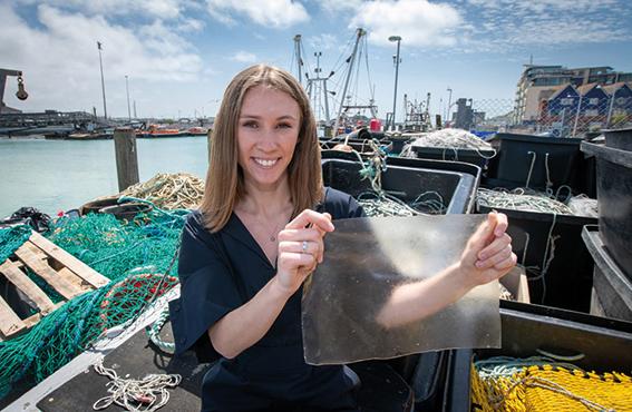 Från fiskavfall till nedbrytbar plast